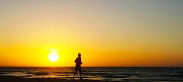 Imagem de pôr do sol no mar com 4K XR Smoothing