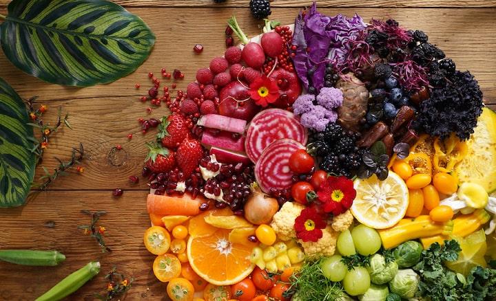 Imagem de frutas e vegetais coloridos tirada com esta lente com alta resolução em toda a imagem